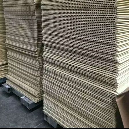 适用于新疆的装修材料保温墙板