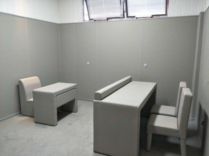 纪委审讯室装修建设 选择使用防火阻燃软包 超强防撞