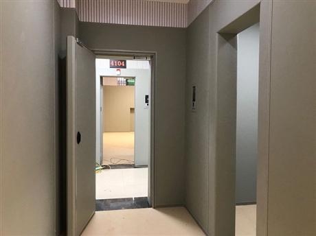 谈话室软包墙面门安装把手-审讯室阻燃-留置室防火安全定做