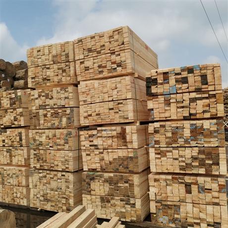 白松建筑木方 松木方木辐射松木方 工程铁杉木方