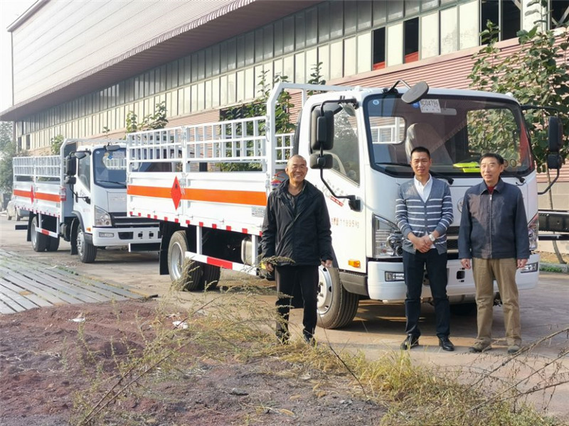解放气瓶运输车,厦门4吨易燃气体厢式运输车,4米2气瓶车价格