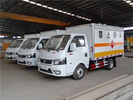 涪陵江铃1.415吨易燃气体厢式运输车/价格便宜/安全达标