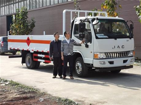 江淮骏铃5.165吨5米气瓶运输车,高栏和栏板任您选