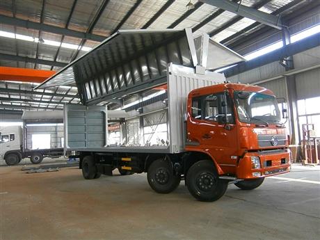 东风天锦翼展车生产厂家额载9.5吨厢长7.6米
