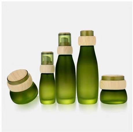 綠色玻璃水乳套裝瓶