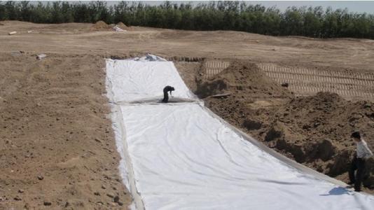 膨润土防水毯生产 润土防水毯多少钱 滨州膨润土防水毯定额