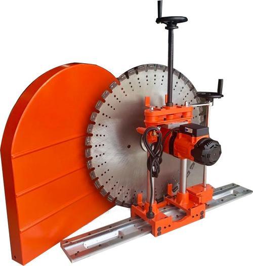 路面切割机设有减震装置,使操作变得舒适、简单