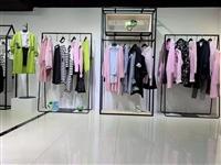广州华景国际品牌折扣女装 颜域气质碎花连衣裙艾托奥 一手货源