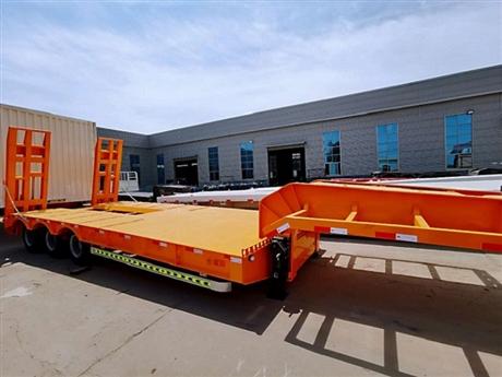 13米挖掘机运输拖板车厂家批发