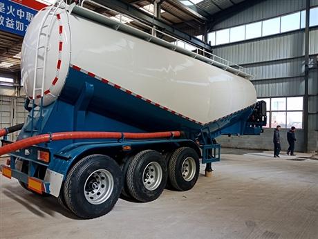 40立方粉粒物料槽罐车自重