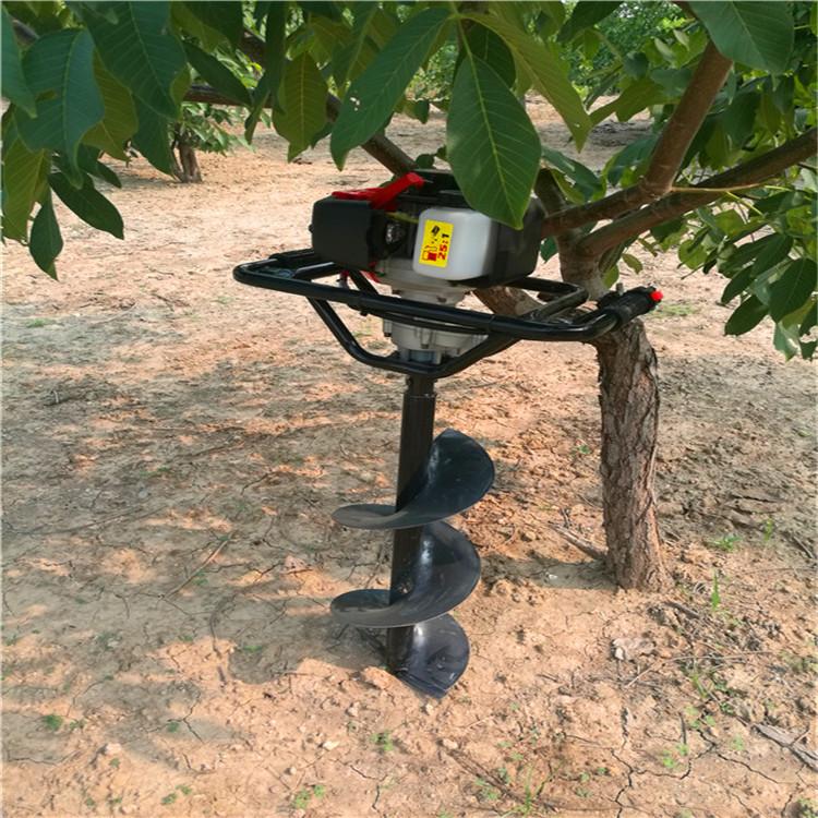 挖树坑机植树把握好钻坑尺寸