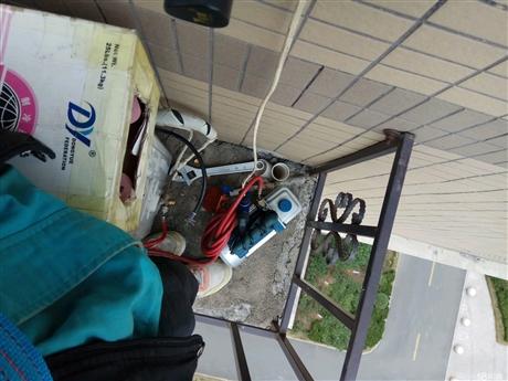 布吉街空调清洗,南岭空调维修加雪种电话