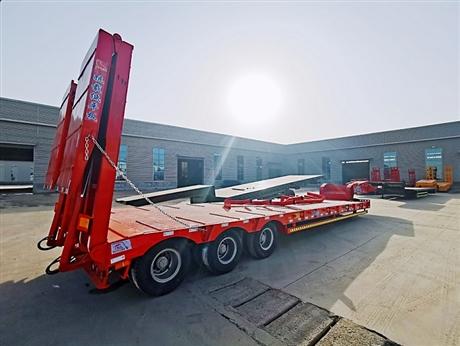 13米挖掘机运输拖板车配置