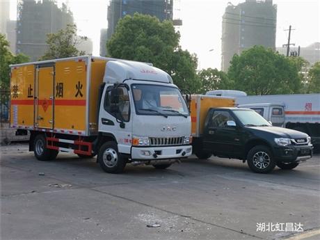 重庆红宇东风专用车            危货车那里买便宜