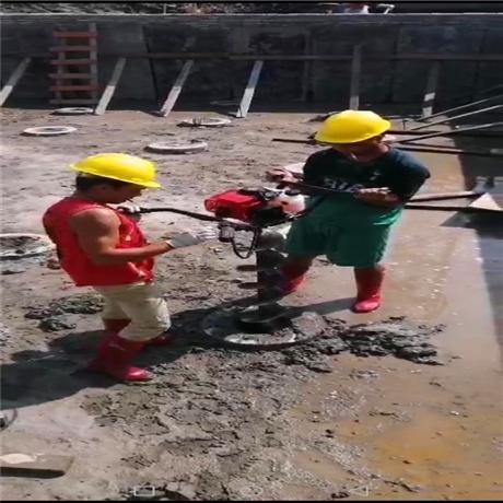 管桩取土机自动清孔掏泥技巧