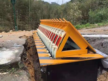 河南申济支持定制全自动升降路障机厂家直供