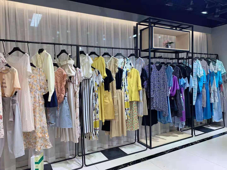 青春淑女系列 三彩丽雪21夏 时尚温馨典雅 品牌折扣女装尾货批发