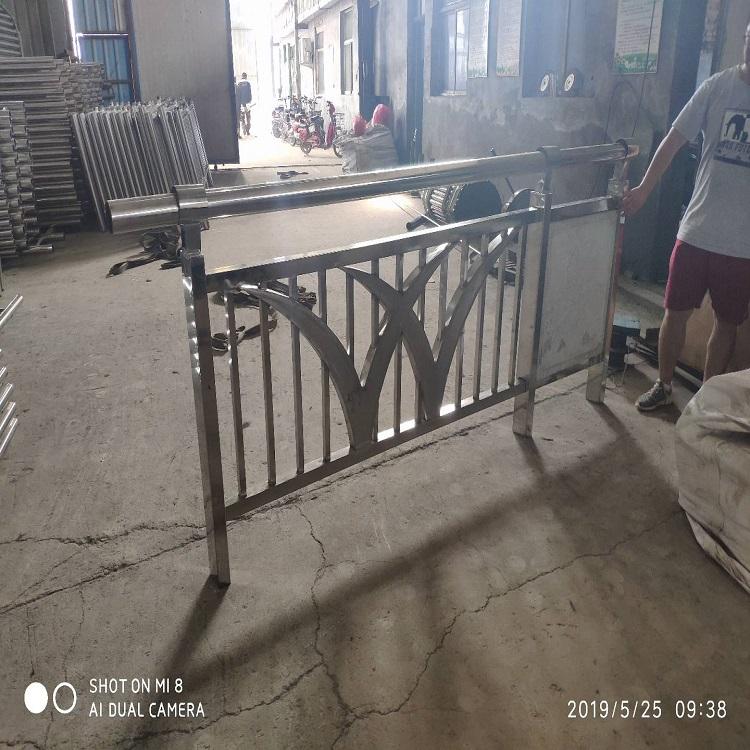 宁波不锈钢复合管栏杆防撞栏杆价格护栏厂家