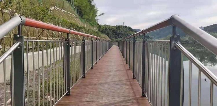 阿拉善盟桥梁护栏不锈钢管子免费安防2021