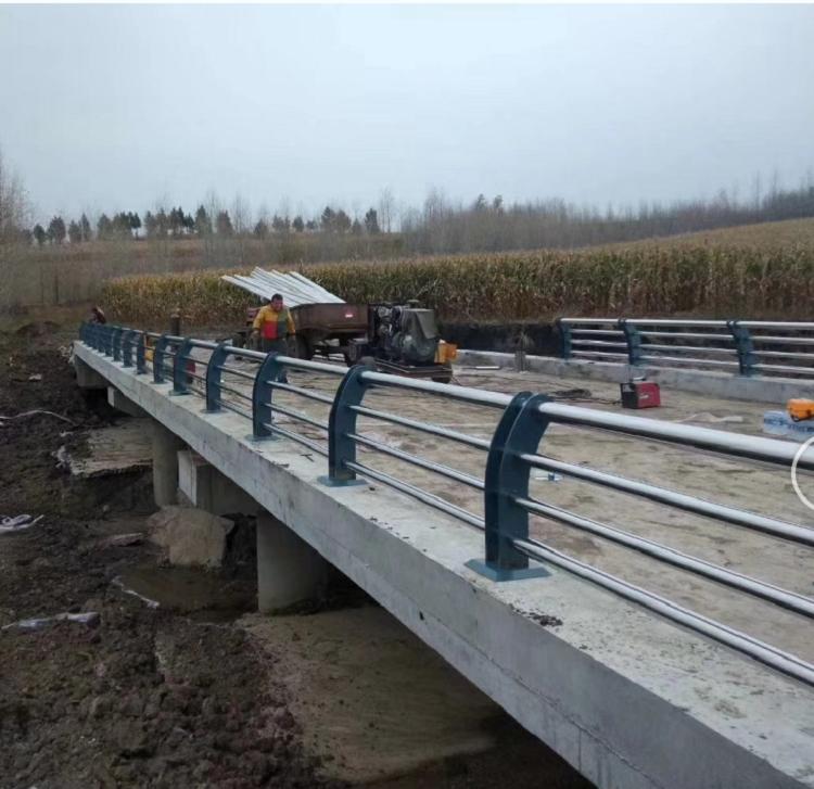 河道景觀護欄 不鏽鋼圍欄 產品結構簡練、美觀實用,